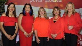 Hilda Hidalgo, Ingrid Molina, Maricarmen Arauz, Rosario Nicasio y Jatnna Tavares.