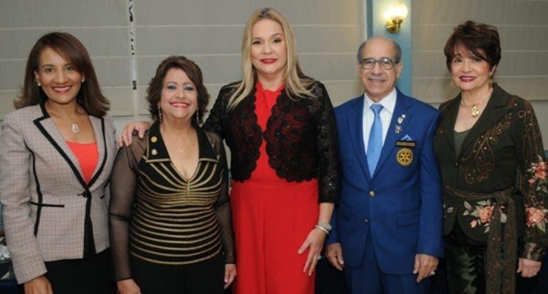Zoraima Cuello, Verónica Sención, Jatnna Tavares, Manuel Gómez Achecar y Aspasia de Gómez.