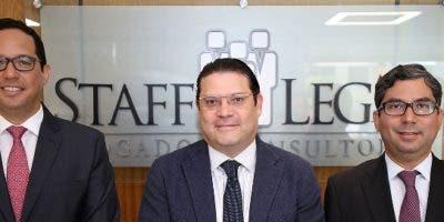 Sigmund Freund, Eduardo Sanz Lovatón, y José Amado Méndez.