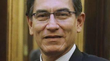 Martín Vizcarra pidió adelantar las elecciones.