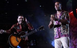 El Chaval fue otro de los invitados de Romeo Santos.