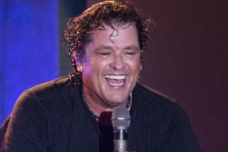 El cantante colombiano Carlos Vives estuvo dos horas en escena.