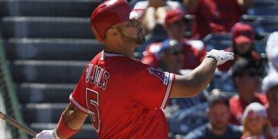 El tolero Albert Pujols está teniendo una gran temporada para los Angels de Anaheim.    AP