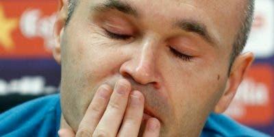 Andrés Iniesta, héroe del mundial de fútbol  2010 y leyenda del Barca es depresivo al màximo
