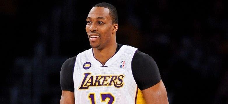 Dwight Howard tiene un nuevo reto con los Lakers. aP
