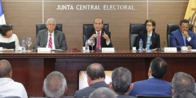 El pleno de la Junta Central Electoral está presidido por Julio César Castaños Guzmán.  ArchivO
