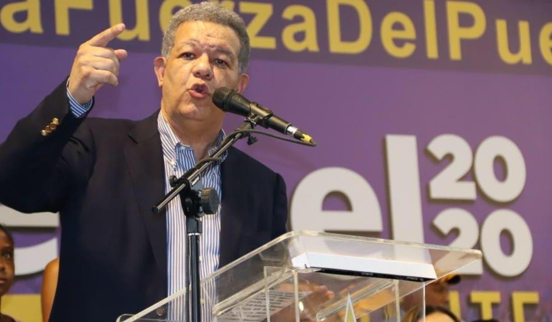 Fernández estuvo acompañado de sus fieles colaboradores durante el recorrido en el este.
