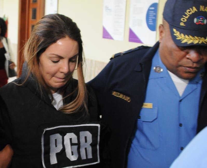 Jueza decidirá mañana si varía arresto en su casa a pareja de Cesar el Abusador