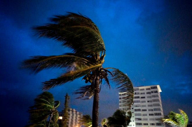 Al menos un muerto por huracán Dorian en Bahamas mientras sigue su avance