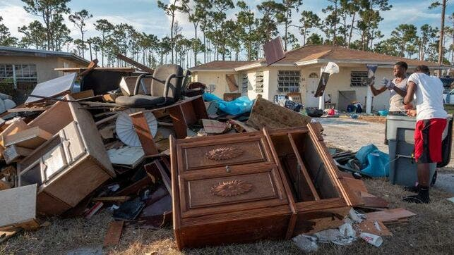La cifra oficial de muertos subió este martes a 50, sin embargo, las autoridades prevén que escale el número de víctimas debido a los miles de desaparecidos en las dos zonas más afectadas por el ciclón, Islas Ábaco y Gran Bahama.