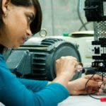 El emprendimiento a través del mundo tecnológico permite exportar servicios,  vender una marca país y puede fomentar el desarrollo.
