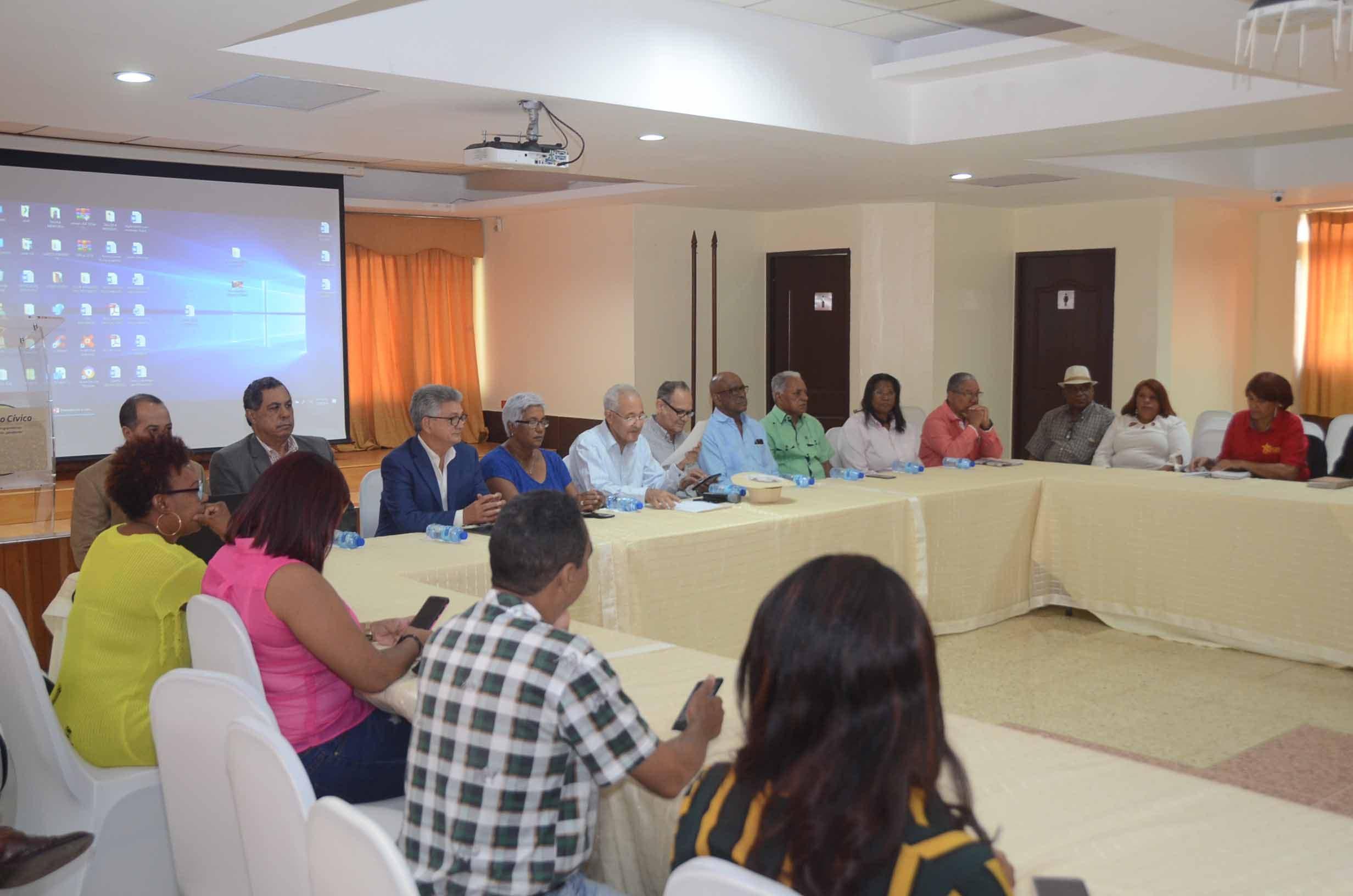 """Seminario """"Propuestas programáticas para la transición pendiente"""" En COOPNAMA, Miraflores. 22-9-2019 HOY / Ariel Gómez"""
