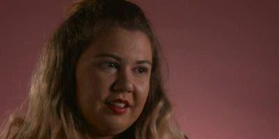 Hannah Van de Peer afirma que el hecho de asistir a una escuela religiosa influyó en su condición.