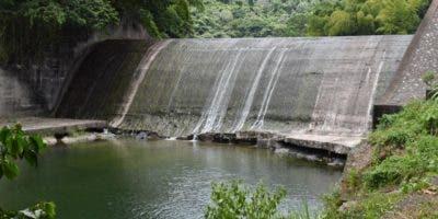 """Montás aclaró, sin embargo, que """"en el río Nizao, desde donde se abastece el acueducto Valdesia-Santo Domingo, no se han producido lluvias significativas""""."""