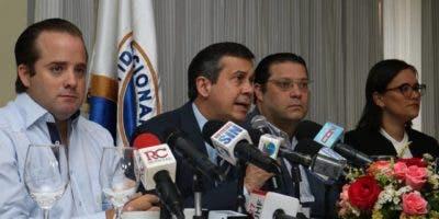 El anuncio lo hicieron el presidente del PRM, José Ignacio Paliza, y otros dirigentes, durante una rueda de prensa.
