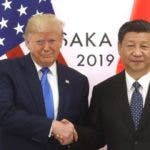 """Trump sigue insistiendo que su relación con el presidente chino, Xi Jinping, es muy buena, aunque reconoce que tienen """"una pequeña disputa"""" por la cuestión comercial."""