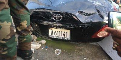 Así quedó el vehículo en el que se transportaban las víctimas.