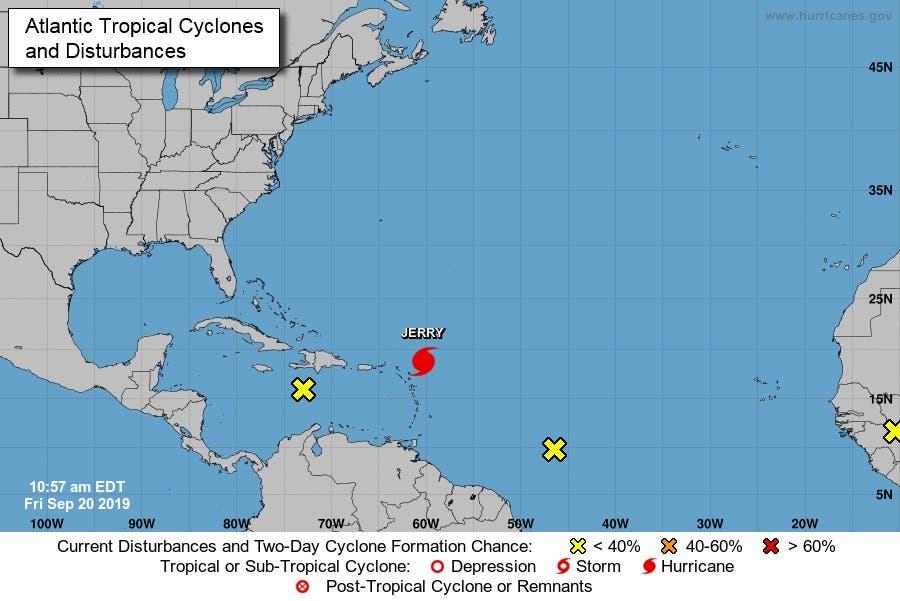 Si se cumplen los pronósticos de trayectoria, el centro de Jerry se moverá al norte de las Islas de Sotavento más septentrionales esta tarde, pasará al norte de Puerto Rico el sábado y estará al estenoreste del sureste de las Bahamas el domingo.