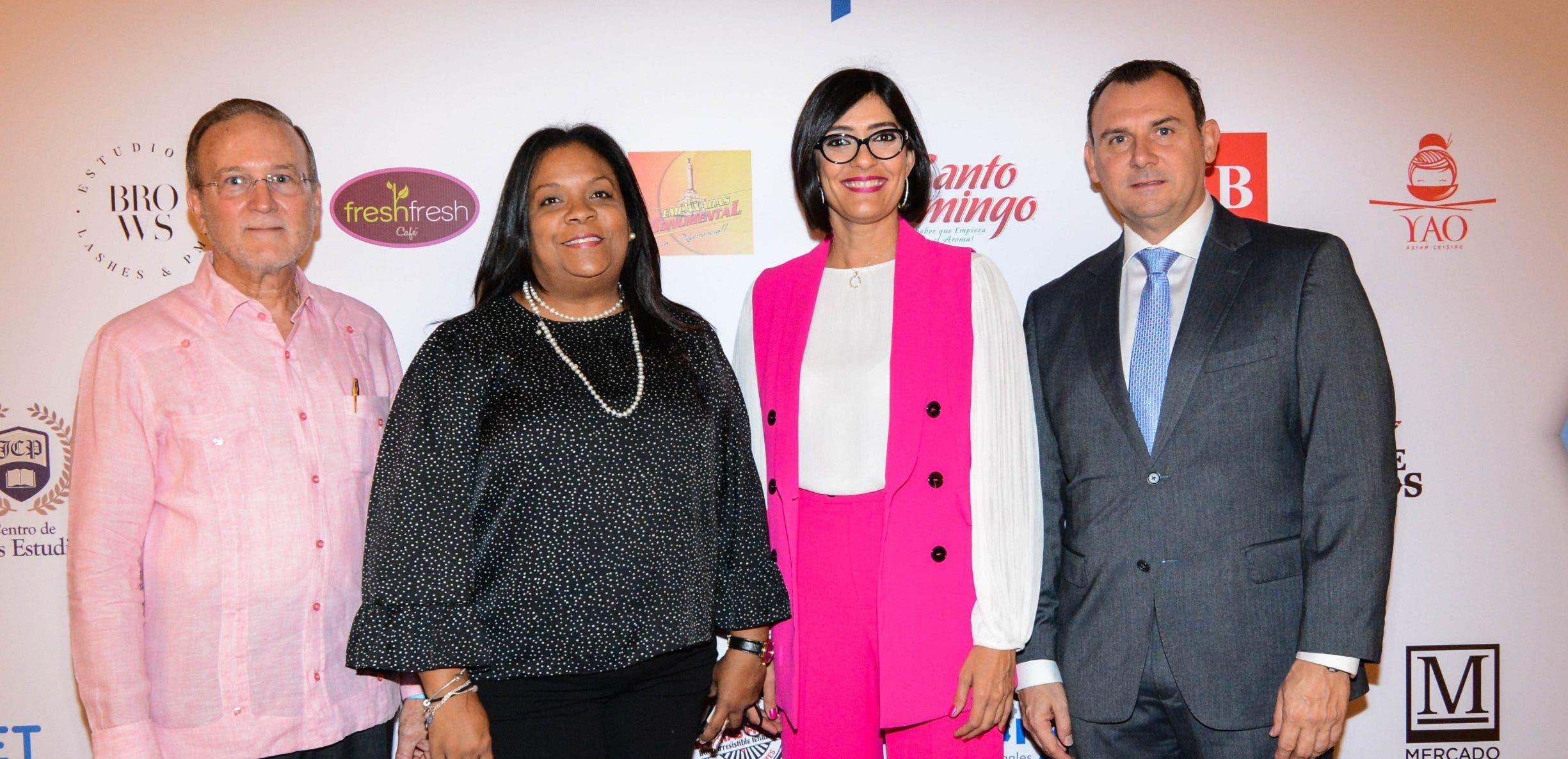 Ignacio Méndez, Larissa Amezquita, Jennifer Báez y Simón Planas.