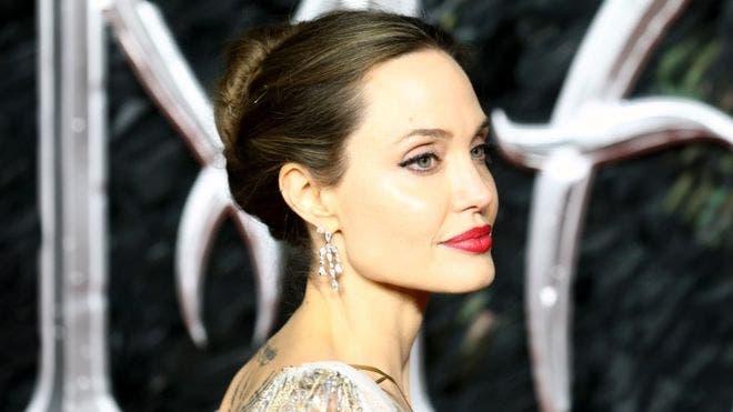 Angelina Jolie, estuvo en el estreno de su nueva película Maléfica: Dueña del Mal, en Londres.