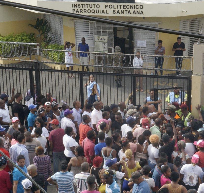 En algunos barrios se tuvo que extender el horario de votación