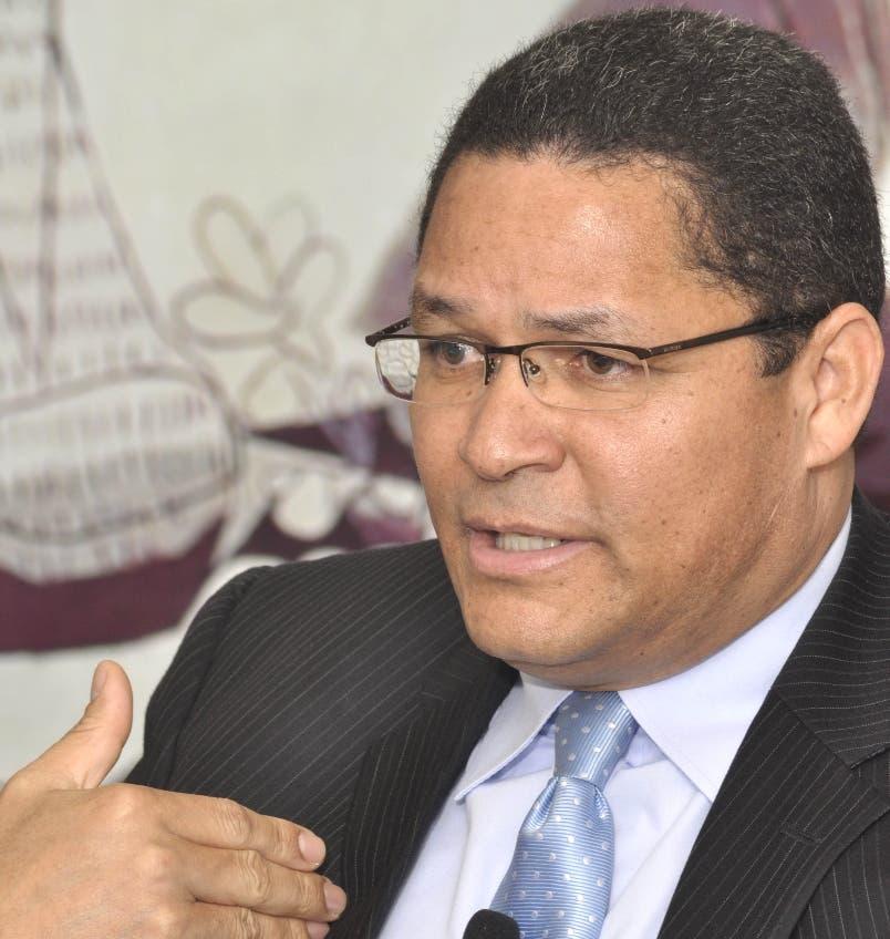 Gedeón Santos fue destituido de la OEA