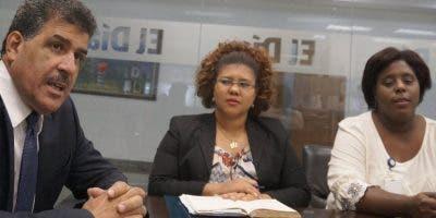 Santiago Muñoz, María B. Roque y Yésica Pérez.  Elieser Tapia.