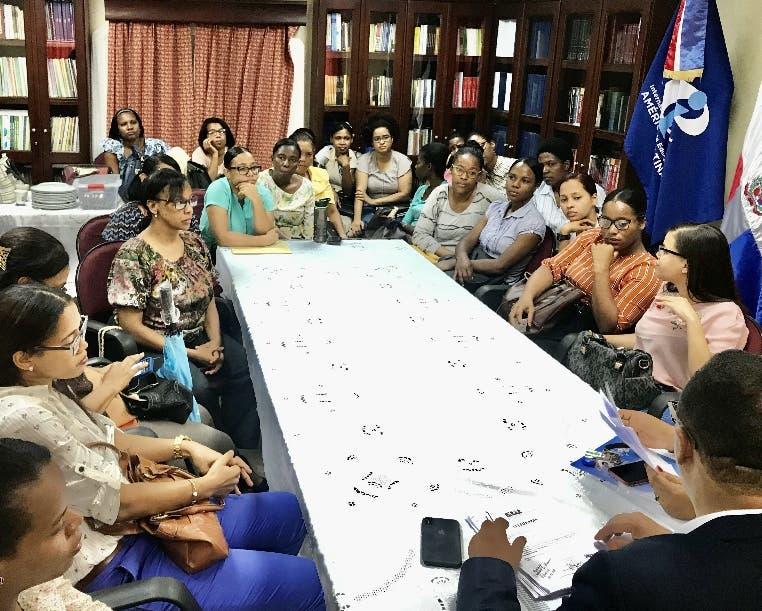 Afectados llevaron  su denuncia ante la ADP.
