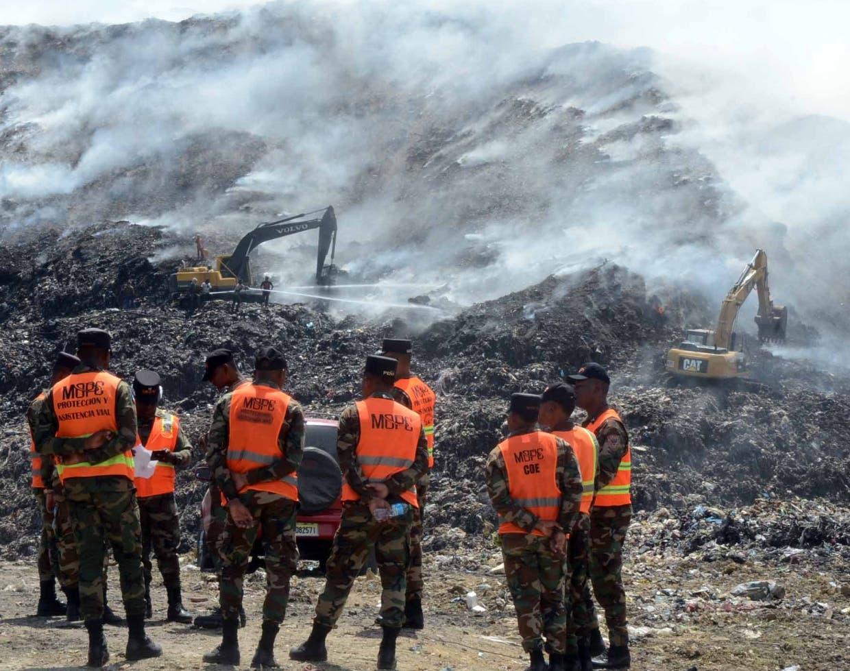 Militares entrenados en desastres se integrarán a las labores de sofocar el fuego. José de  León
