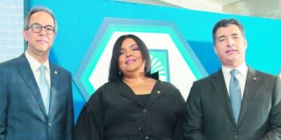José Mármol, Giselle Moreno y Christopher Paniagua.