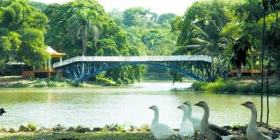 Entre sus  atractivos está  el parque Mirador Norte, que   ofrece   áreas  deportivas, juegos infantiles y un   restaurante.   Elieser Tapia