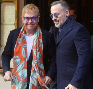 Elton John y su esposa  David Furnish.