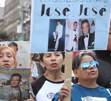 México lloró ayer a José José en su tierra