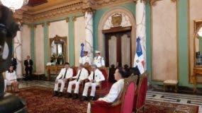 La ceremonia se realizó en el salón de Embajadores del Palacio Nacional.