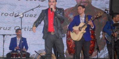 """El Chaval interpretó varios temas de su nuevo disco, entre ellas """"Me sacaste del llavero"""", la que está promocionando."""