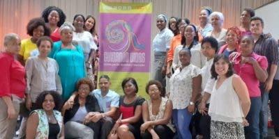 Integrantes de  InteRed y las organizaciones sociales que participaron en la presentación.