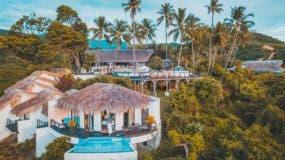 Ubicado en el kilómero  17 de la carretera de la costa Bahoruco- Barahona, Casa Bonita brinda una hermosa vista del Caribe.
