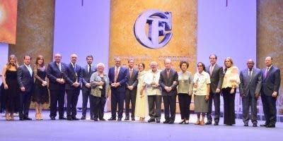 La familia Corripio Alonso tiene a cargo la elección de dos premios sin intervención del jurado.  Ana mármol