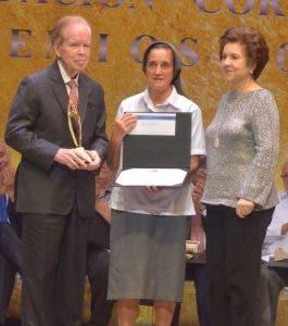 José Luis Corripio,  María Jesús Hernando y  Ana María Alonso.
