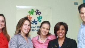 Michelle Delance, María Esther Valiente, Maribel López, Odile Villavizar y Oscar Villanueva.