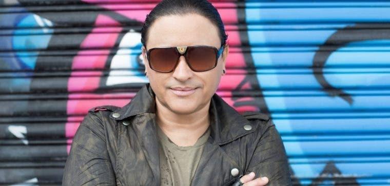 Elvis Crespo participó en la grabación del tema.