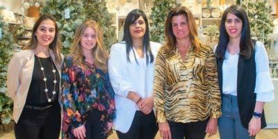 Amalia Vega, Sofía González, Madelyn Martínez, Beatriz Puello y María de Lourdes Herrera.