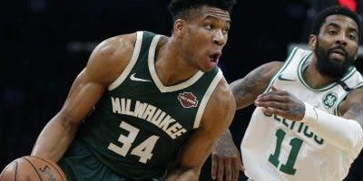 Giannis Antetokounmpo y  Bucks buscan corona  NBA .aP