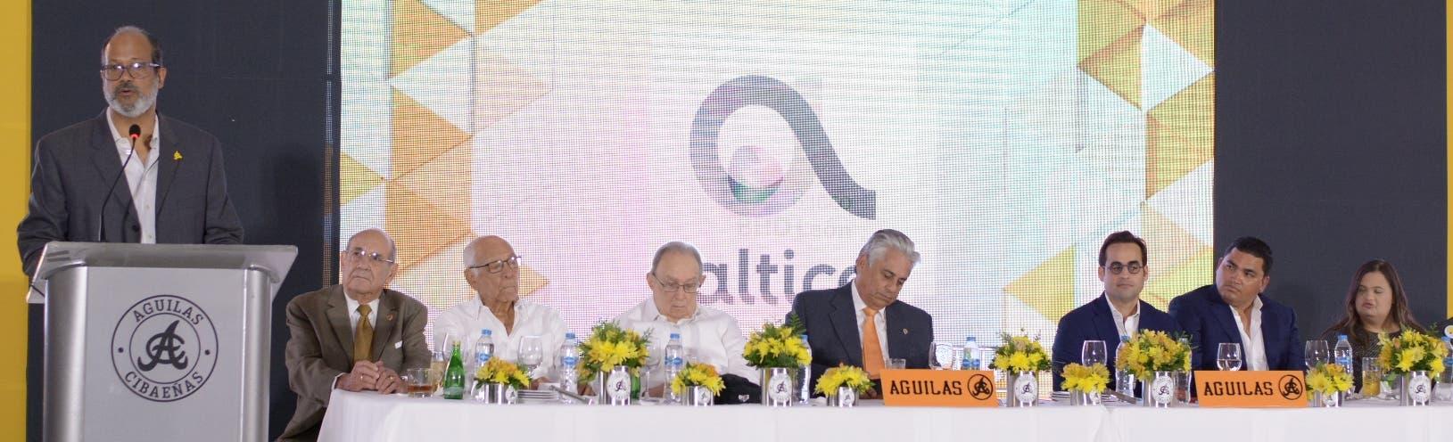 Adriano Valdez Russo, presidente de las Águilas, ofreció el discurso central de la conferencia de prensa. fuente externa
