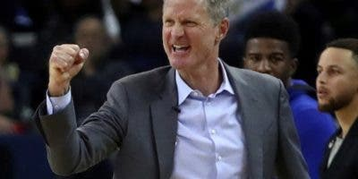 Steve Kerr, entrenador de Golden State Warriors. aP