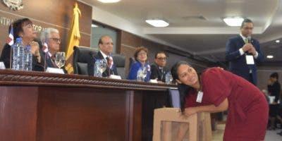 JCE realizó el sorteo público  para desempatar   54 precandidatos    a  posiciones que participaron en las  primarias.  Pablo Matos