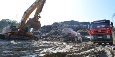 Parte de equipos usados por Obras Públicas en plena labor.