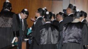 Nuevamente se generan  enfrentamientos entre  jueces y abogados delos imputtados.