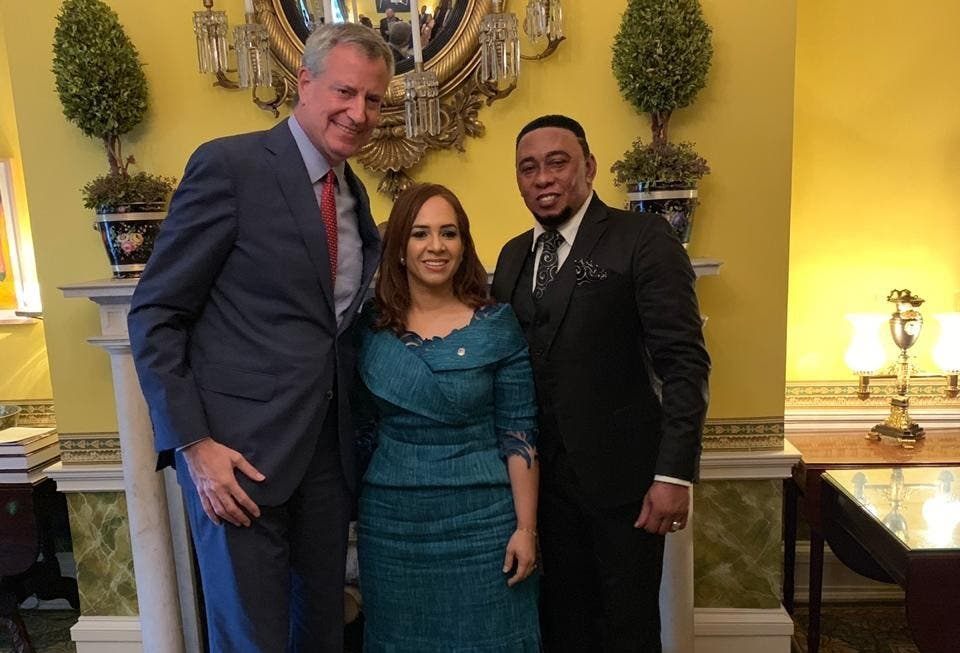 Anthony Santos manifiesta su apoyo a Karen Ricardo