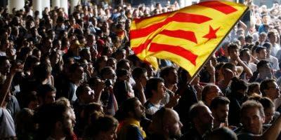 Las multitudinarias protestas estallaron en España luego de condenas a 12 ex políticos y activistas catalanes por su papel en el movimiento independentista de 2017.